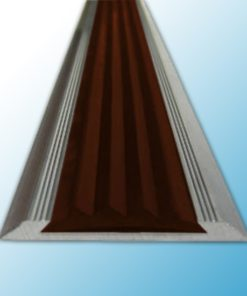 SA2 – Алюминиевая противоскользящая накладка на ступени с коричневой резиновой вставкой